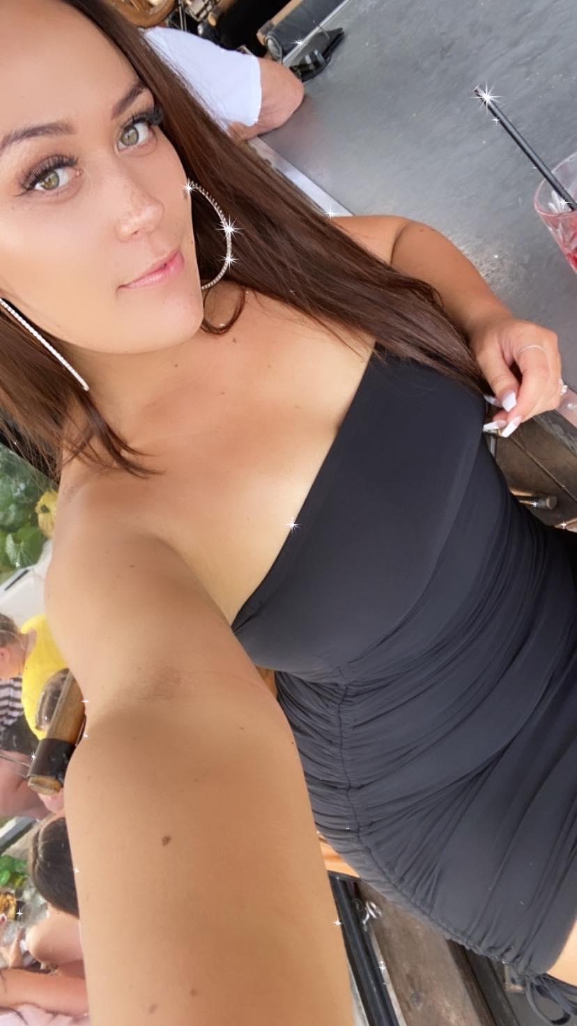Female Stripper - Nikki