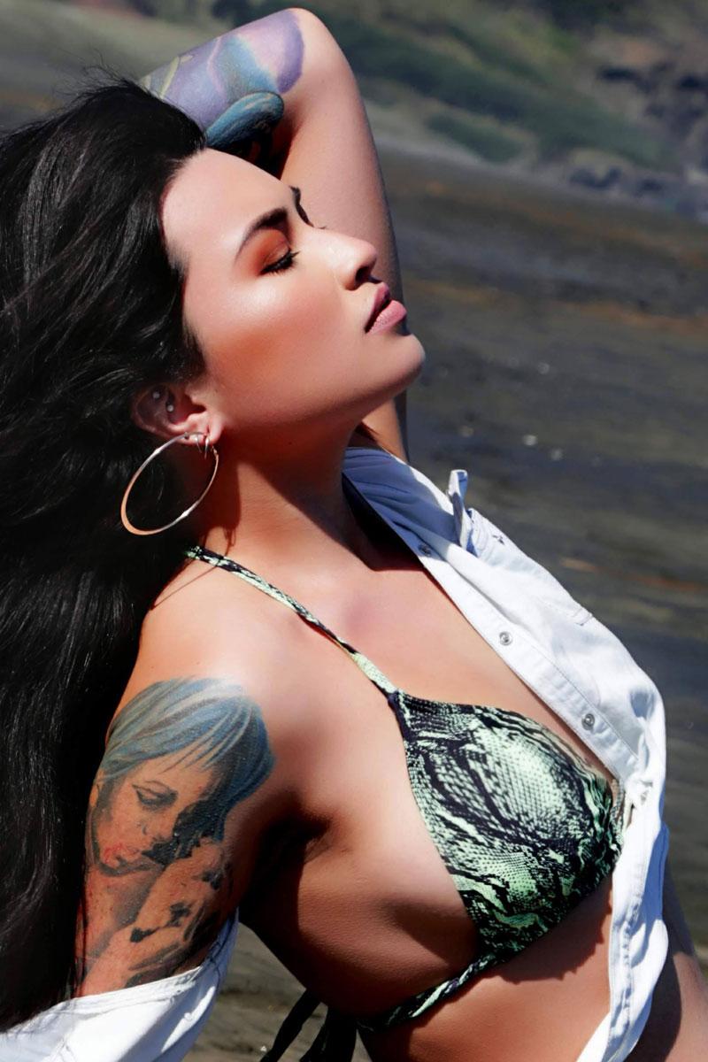 Female Stripper - Demi Lane