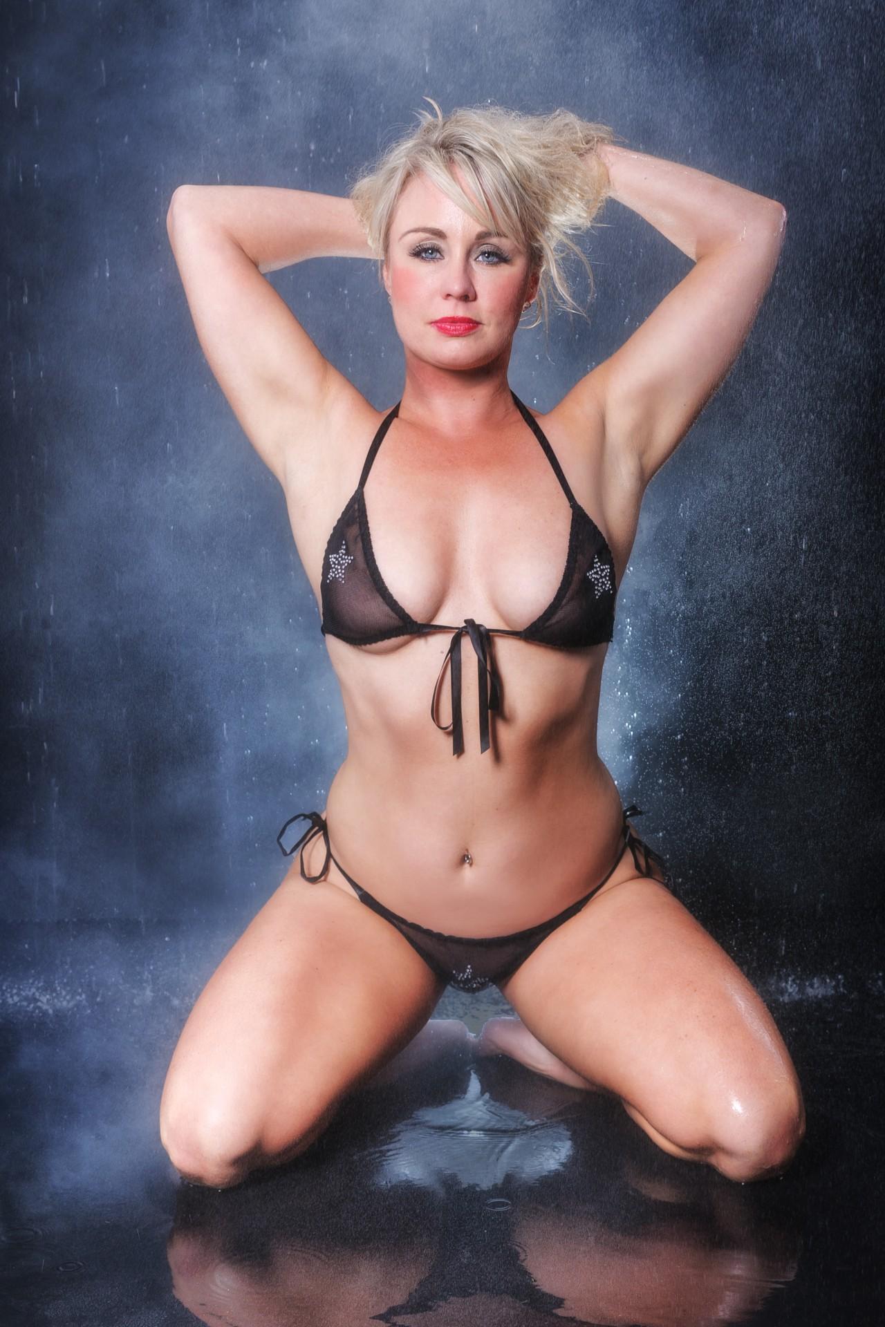 Female Stripper - Lucy