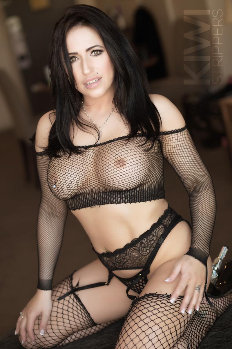 Topless Waitresses - Scarlett