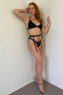 Female Strippers in Auckland - Sienna