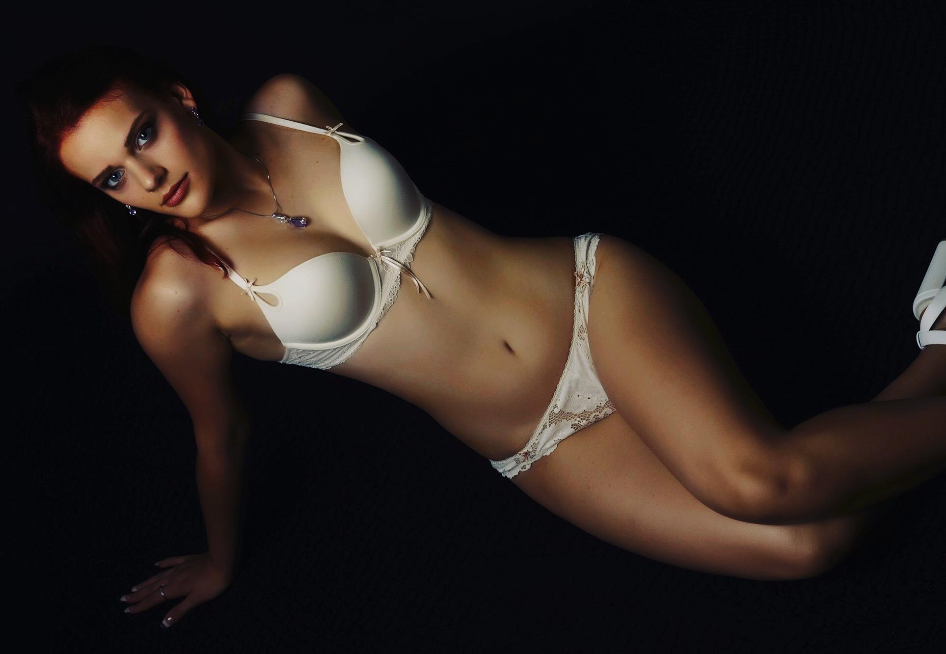 Strippers - Stella Snow
