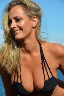 Savannah - Bikini Girls