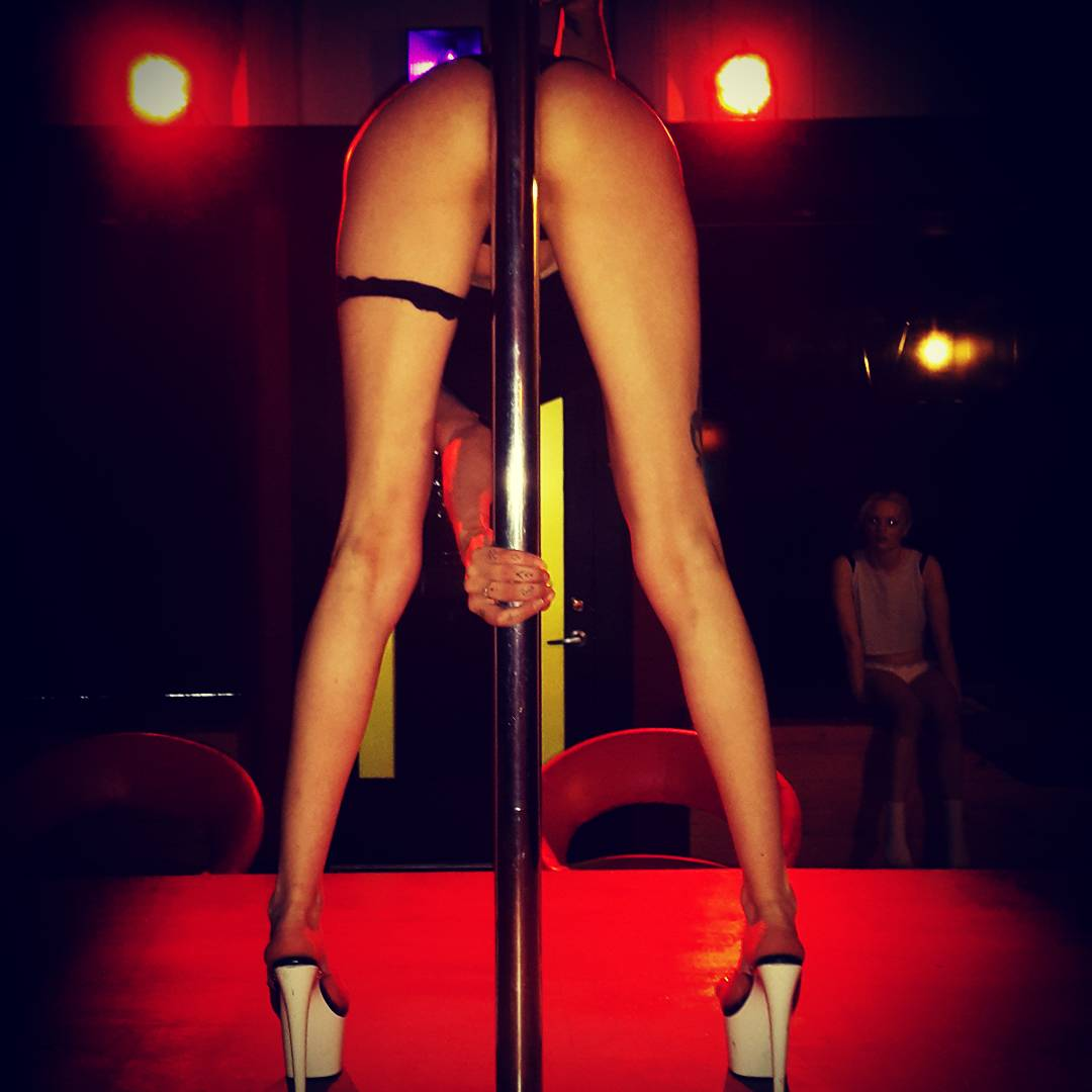 strippers in queenstown hottest