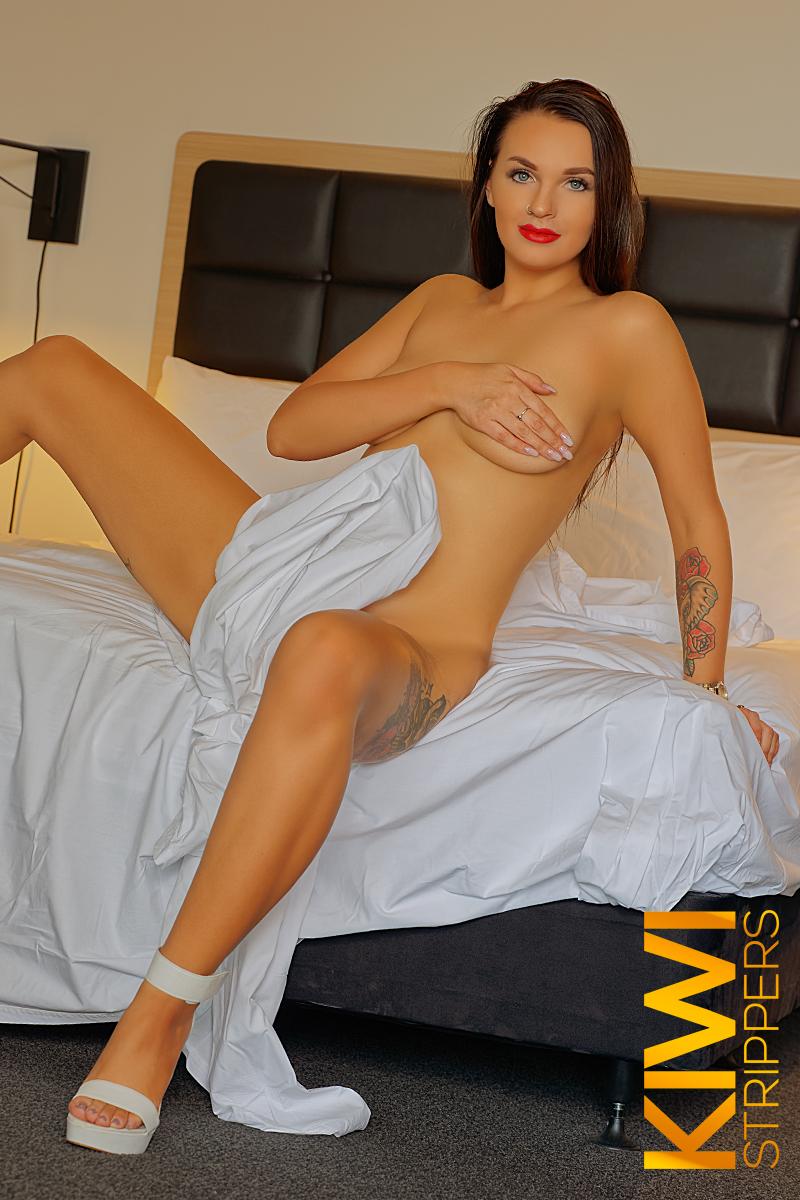 Female Stripper - Izzy