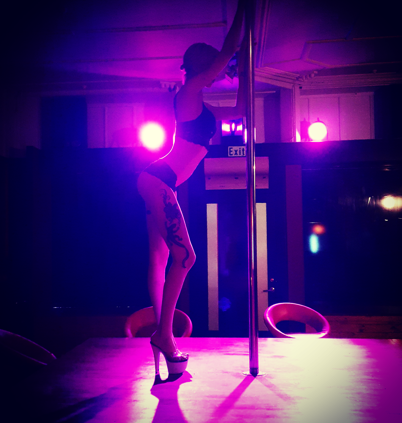 Female Stripper - Wyllow
