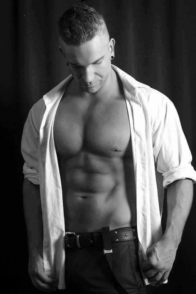 Topless Waiters - Zak