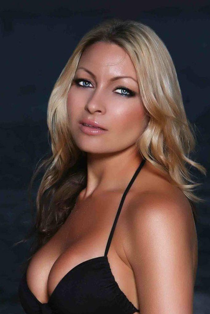 Promo Model - Janine