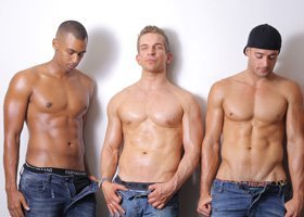 3 Hot Pants Waiters - 2hrs