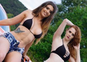 2 Bikini Girls - 5hrs
