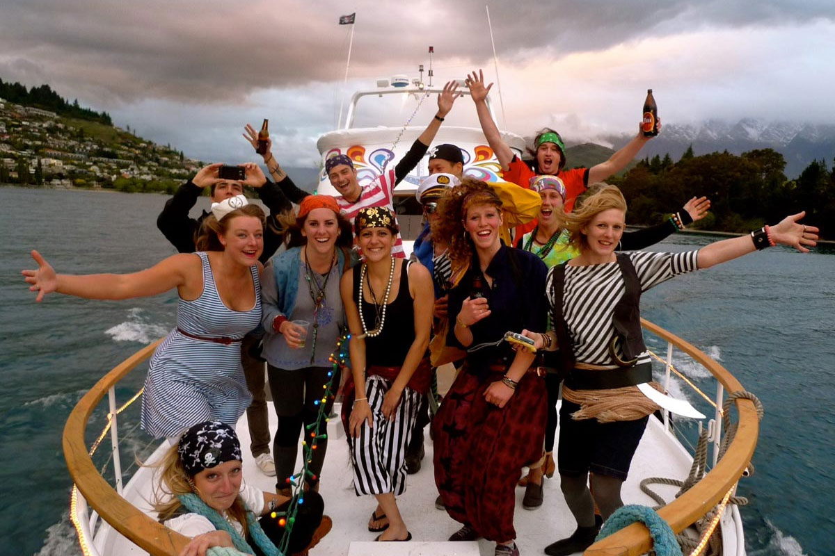 Queenstown Deluxe Hen Boat Cruise