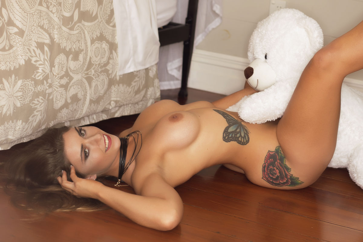 Full Nude Strip