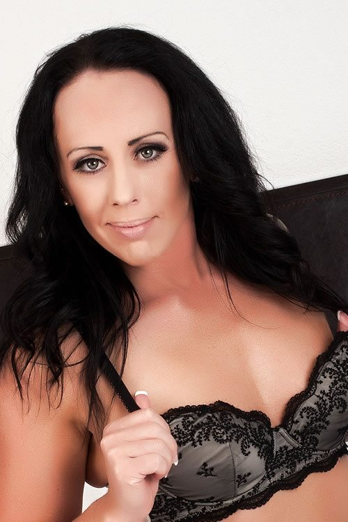 Katie 3323 Profile 1 Female Strippers | X Rated